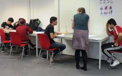 Christina und Anja halfen bei Fragen weiter Teilnehmer und gaben Tipps.